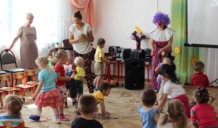Жонглируют взрослые и дети!
